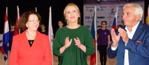 Ρένα Δούρου: «Στηρίζουμε συνειδητά εκδηλώσεις όπως το Aphrodite Cup»